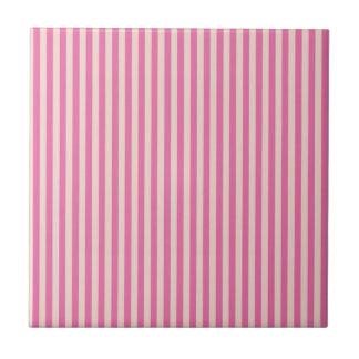 Rayas rosadas y rojas azulejo cuadrado pequeño