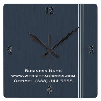 Rayas simples llanas profesionales en reloj azul