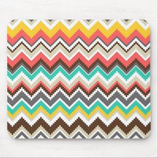 Rayas tribales aztecas coloridas del zigzag de Che Alfombrilla De Raton