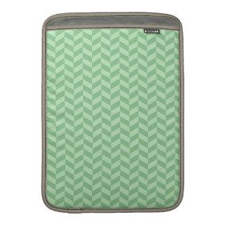 Rayas verdes femeninas de moda del modelo de zigza fundas para macbook air