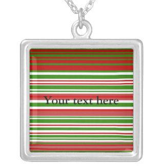 Rayas verdes y blancas rojas contemporáneas colgante cuadrado