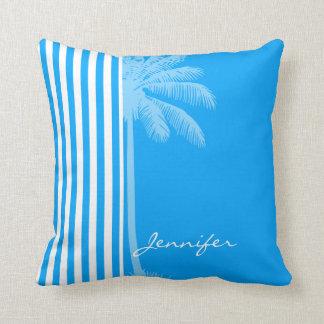 Rayas verticales profundas del azul de cielo; Palm Almohadas