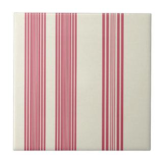 Rayas verticales rosadas finas del fondo blanco azulejo cuadrado pequeño
