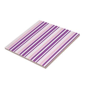 Rayas verticales rosadas y púrpuras elegantes azulejo cuadrado pequeño