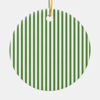 Rayas verticales verdes ornaments para arbol de navidad