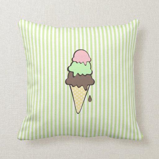 Rayas y cono de helado verdes almohada