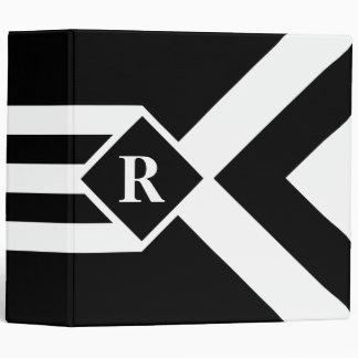 """Rayas y galones blancos en negro con el monograma carpeta 2"""""""