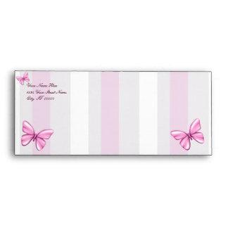 Rayas y mariposas rosadas sobres