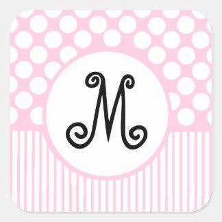 Rayas y monograma rosados de los puntos del blanco pegatina cuadrada