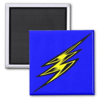 Rayo amarillo eléctrico imán cuadrado