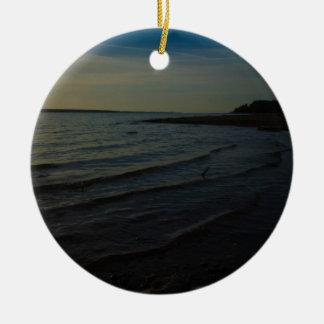 Rayo del lago adorno navideño redondo de cerámica