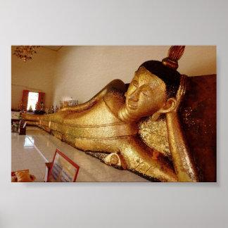 Rayong de descanso Buda Póster