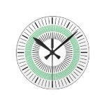 Rayos concéntricos - verde reloj de pared