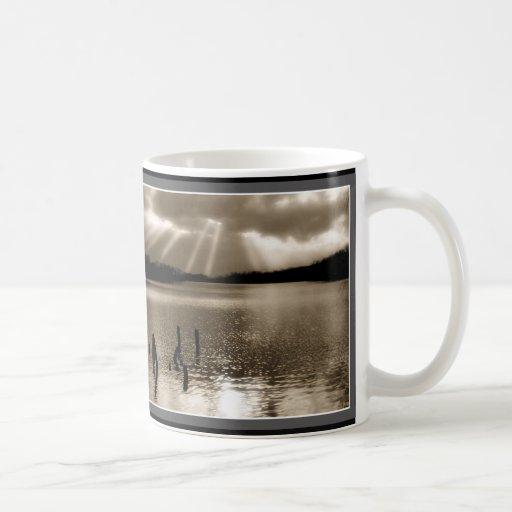 rayos de sol de la sepia taza de café