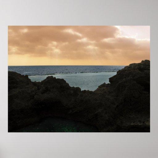 Rayos de sol por el mar - mar Mediterráneo Póster