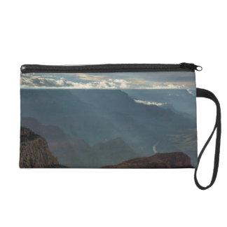 Rayos de Sun en el Gran Cañón del punto del Hopi,