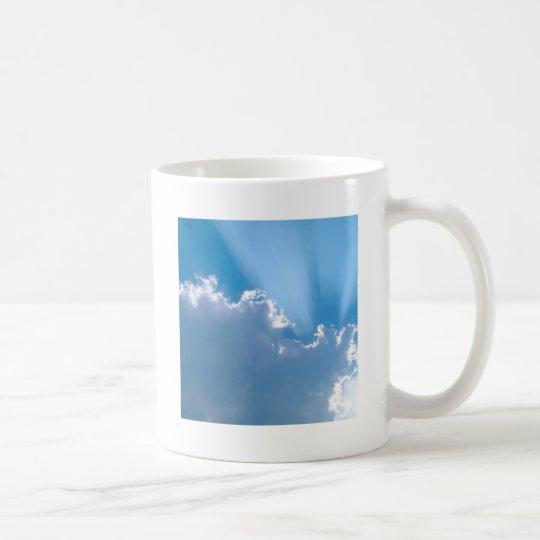 Rayos del cristal del cielo taza de café