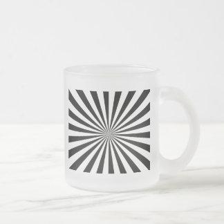 Rayos negros y blancos taza de café
