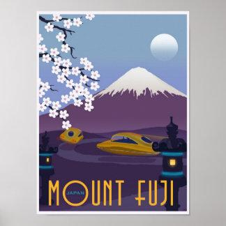 ¡Raza al monte Fuji en su coche del vuelo Posters