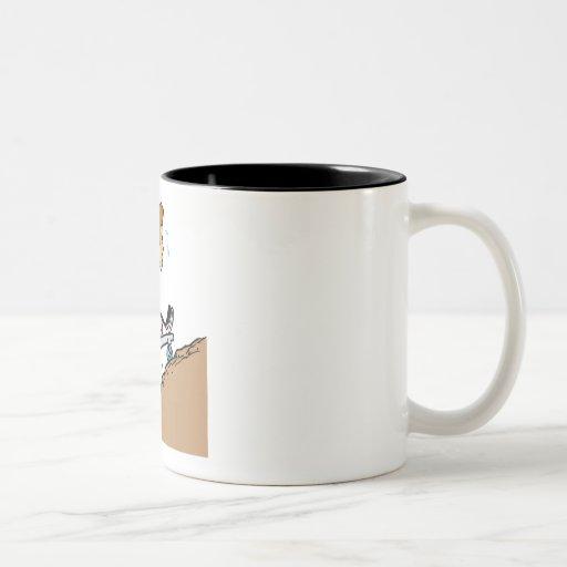 Raza ascendente taza de café de dos colores