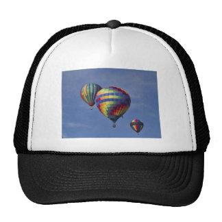 Raza colorida del globo del aire caliente gorra