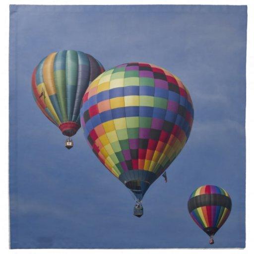 Raza colorida del globo del aire caliente servilleta de papel