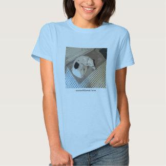 raza de la mezcla en la camiseta remeras