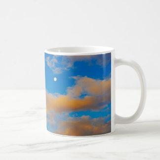 Razones para despertar temprano taza de café