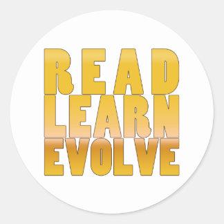 Read Learn Evolve Classic Round Sticker