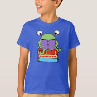 Reading Is Fun Cute Book Loving Alien T-Shirt