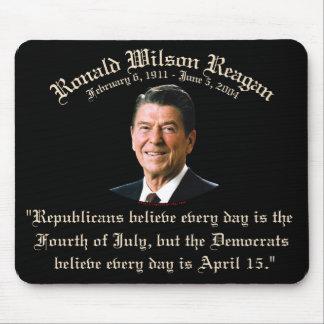 Reagan Republicans vs Democrats Mouse Pad