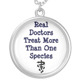 real doctors tx >1 spp round pendant necklace