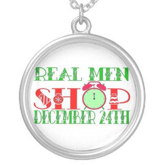 REAL MEN SHOP DECEMBER 24TH ROUND PENDANT NECKLACE