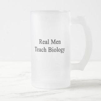 Real Men Teach Biology 16 Oz Frosted Glass Beer Mug