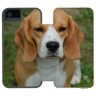 Really Cute Beagle Pup Incipio Watson™ iPhone 5 Wallet Case