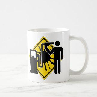 Reaprovisionamiento de combustible por la vez taza de café