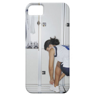 Rear View of a Female Volleyball Player Tying iPhone SE/5/5s Case