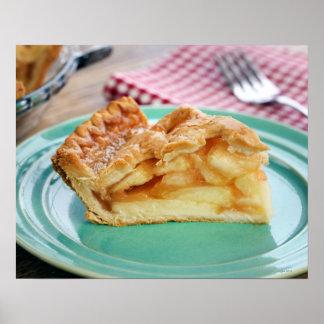 Rebanada de empanada de manzana cocida fresca en póster
