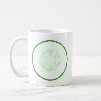 Rebanada de pepino. Verde y blanco Tazas De Café