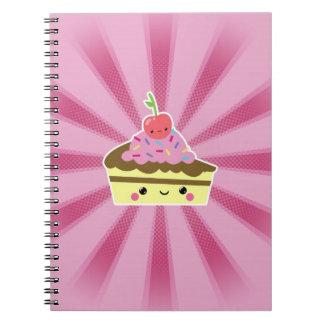 Rebanada de torta de Kawaii con una cereza en el t Cuadernos