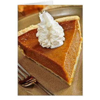 Rebanada del pastel de calabaza tarjeta de felicitación