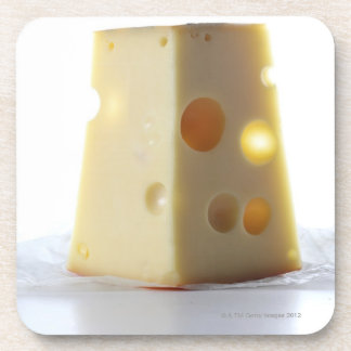 Rebanada del queso de Jarlsberg Posavasos De Bebidas