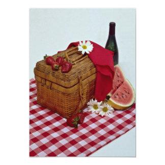 Rebanadas de la cesta y de la sandía de la comida anuncio personalizado