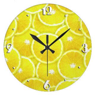 Rebanadas del limón reloj redondo grande