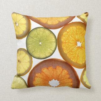 Rebanadas del naranja del limón de la cal cojin