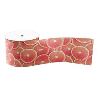 Rebanadas del pomelo rosado lazo de tela gruesa
