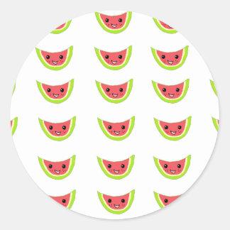 Rebanadas felices de la sandía pegatina redonda