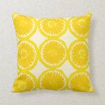 Rebanadas grandes del limón almohada