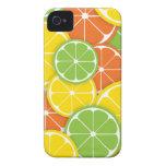 Rebanadas redondas jugosas del naranja de la cal d iPhone 4 cobertura