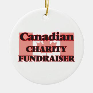 Recaudador de fondos canadiense de la caridad adorno navideño redondo de cerámica